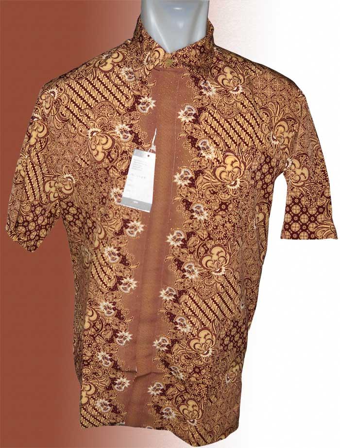 Baju Batik Motif Batik Kalem Dengan Paduan Warna Sempurna