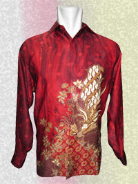 'Background Merah Tajam Untaian Bunga Rajawali Terbang, Pesona Batik Modern  (1)'