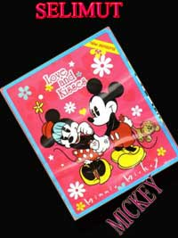 'Selimut Mickey Love Kiss'